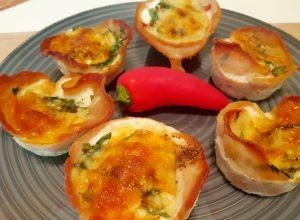 Canastas de jamón y huevo